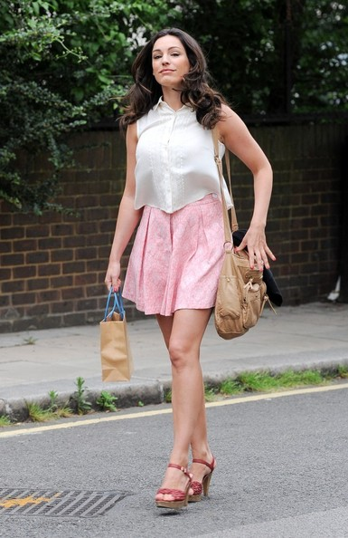 More Pics of Kelly Brook Mini Skirt (1 of 26) - Mini Skirt Lookbook - StyleBistro