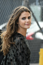 Keri Russell wore her long hair loose in a messy wavy style during her visit to 'Kimmel.'