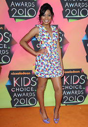 Keke Palmer was too cute in her colorful beaded frock. She highlighted one of her dress's many colors by donning a pair of lilac peep-toe heels.