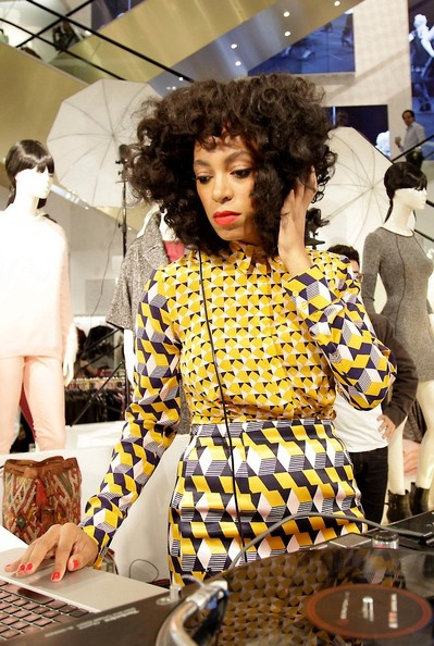 More Pics of Solange Knowles Pencil Skirt (1 of 14) - Pencil Skirt Lookbook - StyleBistro