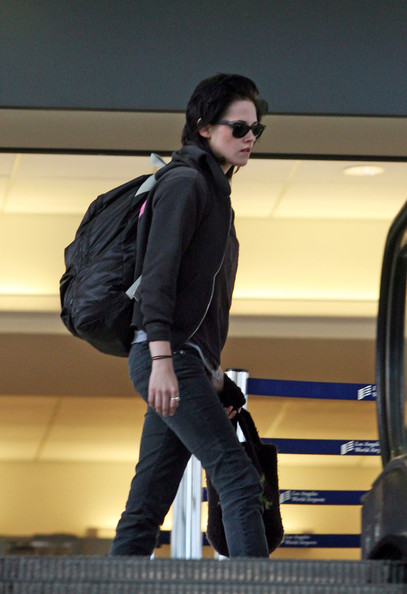 More Pics of Kristen Stewart Wayfarer Sunglasses (1 of 5) - Kristen Stewart Lookbook - StyleBistro