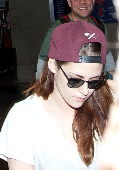 More Pics of Kristen Stewart Wayfarer Sunglasses (2 of 12) - Kristen Stewart Lookbook - StyleBistro
