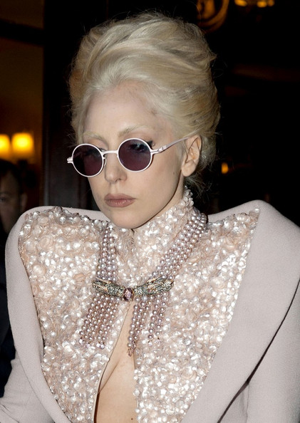Lady Gaga Layered Pearl Necklace []