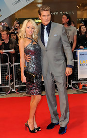 Hayley Roberts complemented her sparkly dress with a pair of bow-embellished black peep-toes at the 'Larry Crowne' premiere.
