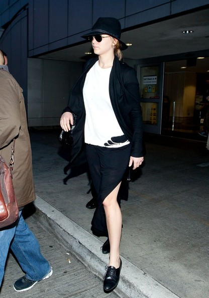 More Pics of Jennifer Lawrence Cardigan (1 of 12) - Jennifer Lawrence Lookbook - StyleBistro