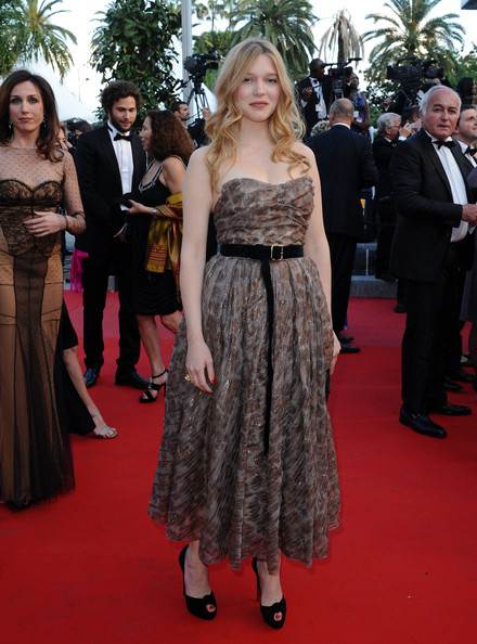 Lea Seydoux Strapless Dress []