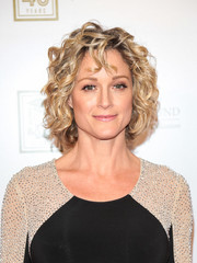 Teri Polo looked fab with her curled-out bob at the Legacy of Changing Lives event.