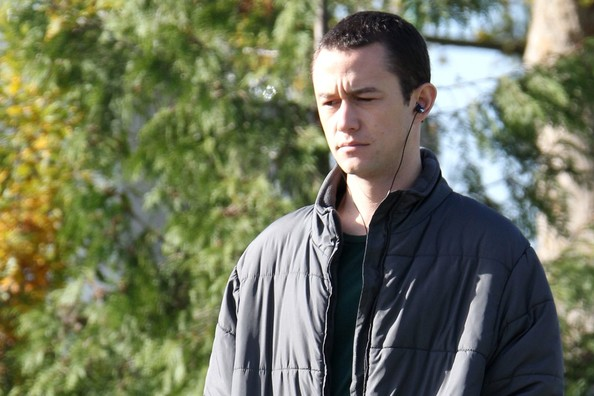 More Pics of Joseph Gordon-Levitt Down Jacket (4 of 7) - Joseph Gordon-Levitt Lookbook - StyleBistro