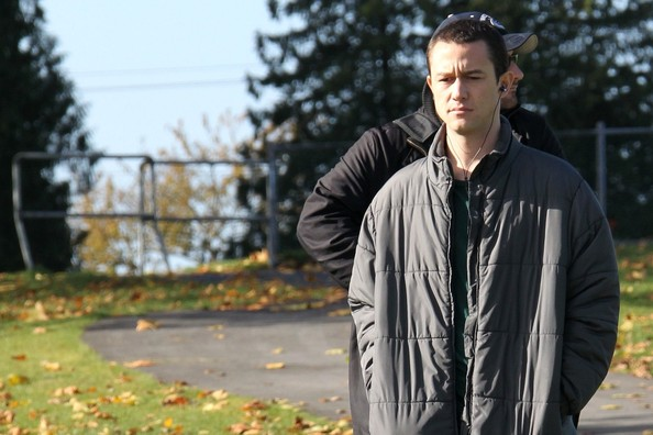 More Pics of Joseph Gordon-Levitt Down Jacket (5 of 7) - Joseph Gordon-Levitt Lookbook - StyleBistro