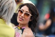 Lisa Edelstein was retro-cute with her cateye sunnies while visiting 'Extra.'