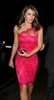 Elizabeth Hurley loves to wear bright colors like this pretty hot pink lace number!