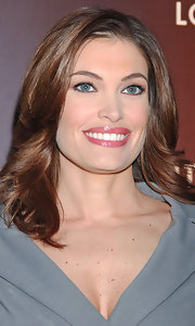 Kimberly Guilfoyle styled her hair in a lovely feathered flip for the Louis Vuitton Love party.