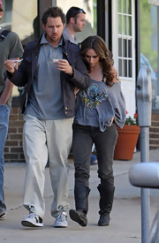 Jamie Kennedy looked right at home in a pair of loose-fitting chinos as he accompanied his girlfriend during a break in her filming.
