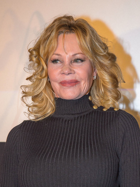 Melanie Griffith Medium Curls []