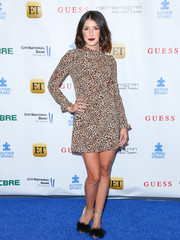 Shenae Grimes frilled up her look with a pair of feathered sandals.
