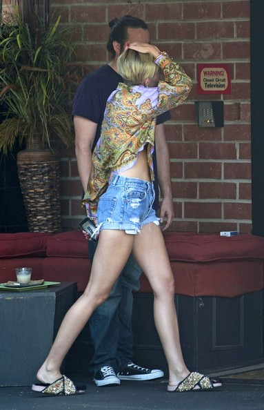 More Pics of Miley Cyrus Print Blouse (2 of 19) - Miley Cyrus Lookbook - StyleBistro []