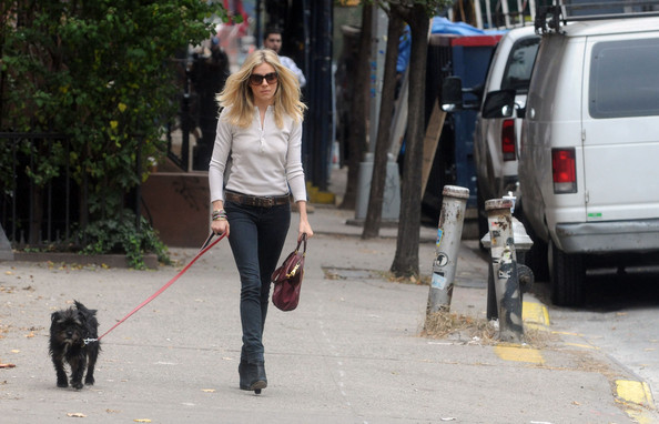 More Pics of Sienna Miller Oval Sunglasses (1 of 7) - Sienna Miller Lookbook - StyleBistro