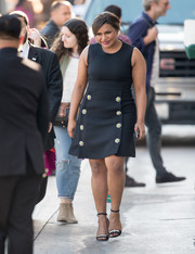 Mindy Kaling looked endearing in a retro-chic LBD with flower embellishments as she made her way to 'Kimmel.'