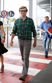 Simon Baker looked casually cool in a gray plaid button down shirt.