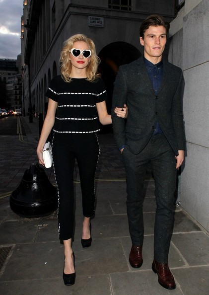 More Pics of Pixie Lott Heart Sunglasses (1 of 4) - Heart Sunglasses Lookbook - StyleBistro