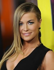 Carmen Electra sported a sharp side part with her sleek locks slicked to one side at the 'Movie 43' premiere.
