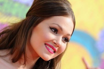 'Lab Rats' Star Kelli Berglund Breaks into Film