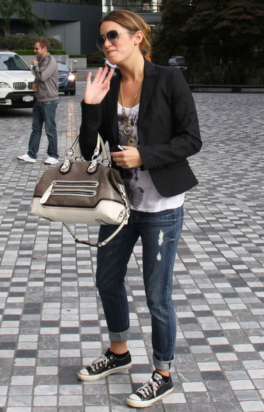 More Pics of Nikki Reed Aviator Sunglasses (1 of 7) - Nikki Reed Lookbook - StyleBistro