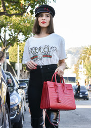 Olivia Culpo flaunted a spanking new Saint Laurent Sac De Jour croc-embossed bag in a gorgeous red hue!