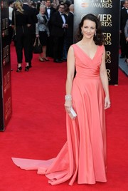 Kristin Davis was sweet and elegant in a sleeveless pink Monique Lhuillier gown during the Olivier Awards.