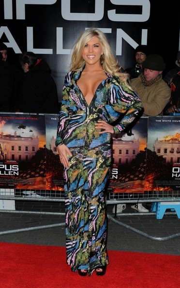 More Pics of Frankie Essex Print Dress (1 of 3) - Frankie Essex Lookbook - StyleBistro