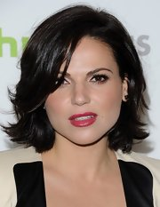 Lana Parrilla sported a choppy mid-length bob for her red carpet look.