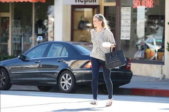 More Pics of Teresa Palmer Skinny Jeans (1 of 5) - Jeans Lookbook - StyleBistro