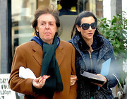 Nancy Shevell achieved instant elegance with these butterfly sunnies while strolling with the hubby.