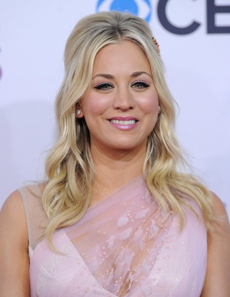 More Pics of Kaley Cuoco Peep Toe Pumps (3 of 6) - Kaley Cuoco Lookbook - StyleBistro