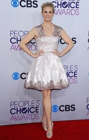Monica looked like a Barbie in this crisp blush cocktail dress at the People's Choice Awards.