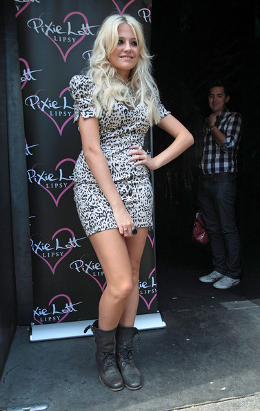 More Pics of Pixie Lott Satchel (1 of 4) - Pixie Lott Lookbook - StyleBistro