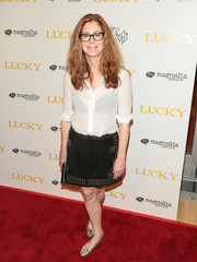 Dana Delany completed her ensemble with cute silver ballet flats.