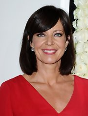 Allison Janney attended the QVC Red Carpet Style event wearing her dark tresses in a sleek bob with long side-swept bangs.