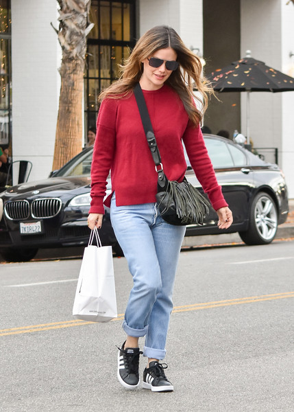 More Pics of Rachel Bilson Leather Sneakers (7 of 9) - Athletic Shoes Lookbook - StyleBistro []