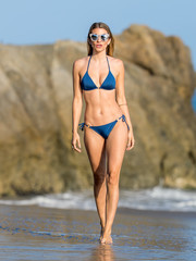 Rachel Mccord showed off her fabulous beach body in a blue string bikini!