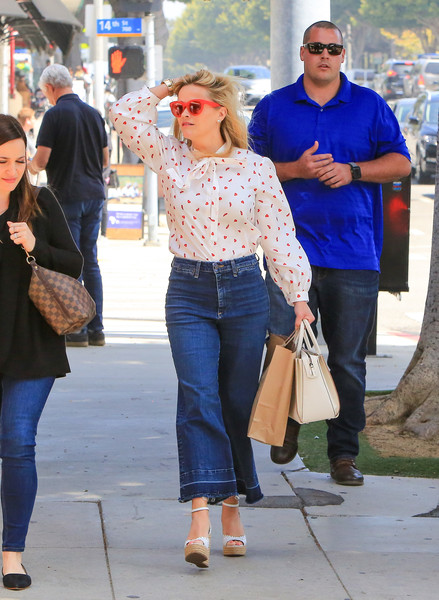 More Pics of Reese Witherspoon Print Blouse (1 of 24) - Tops Lookbook - StyleBistro []