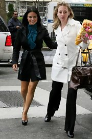 Pia Toscano wore a beautiful black trenchcoat.  Love the belt!