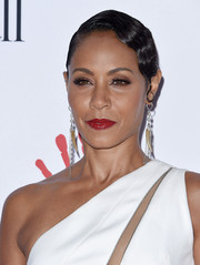 Jada Pinkett Smith channeled Old Hollywood with this finger wave during the Diamond Ball.