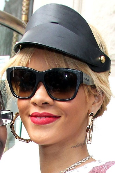 More Pics of Rihanna Cateye Sunglasses (1 of 6) - Cateye Sunglasses Lookbook - StyleBistro
