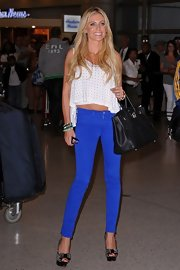 These skinny blue pants were to die for on Claudine Keane!