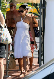 Oversized wayfarers are very trendy right not and we see them in a lot of celebrities such as Rosario Dawson.