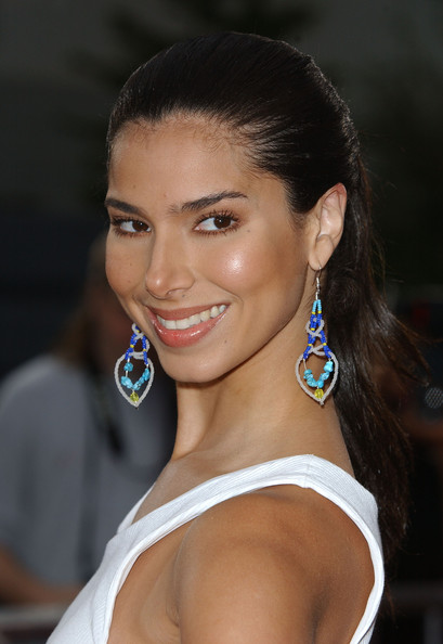 Roselyn Sanchez Dangling Turquiose Earrings