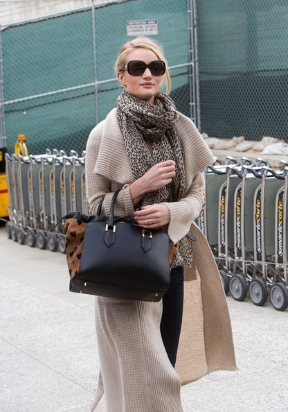 More Pics of Rosie Huntington-Whiteley Leather Tote (1 of 20) - Leather Tote Lookbook - StyleBistro