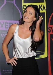 Courtney Robertson wore this basic silk cami with her miniskirt for the Night of a Billion Reality Stars.