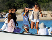 Melissa Satta hopped onto a boat in tiny ruffled short shorts.